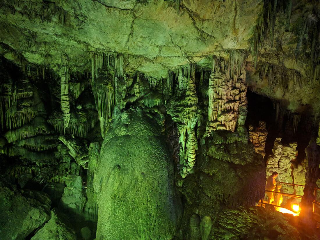 фото пещеры Зевса, к сожалению, не могут передать всю ее сказочную  атмосферу
